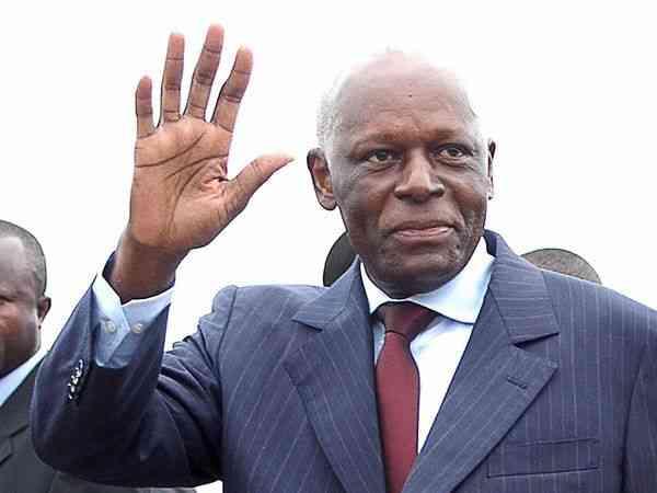Eski Angola Cumhurbaşkanı Santos, iki yıl sonra ülkesine döndü