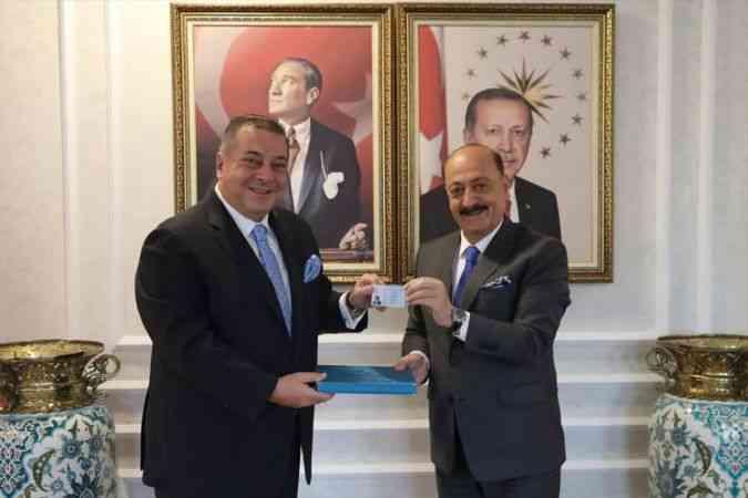 """Türkiye'de yabancı girişimciye """"Turkuaz Kart"""" uygulaması başladı"""