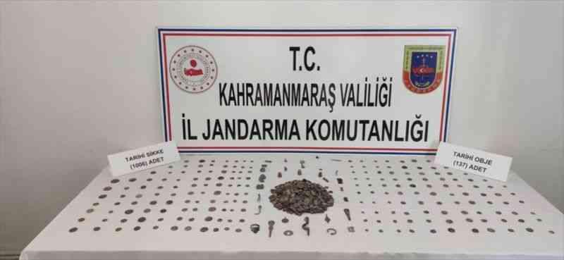 Kahramanmaraş'ta 1006 sikke ile 137 tarihi obje ele geçirildi