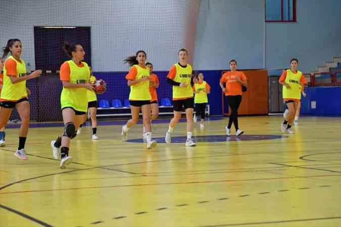 Konyaaltı Belediyespor, Hentbol Kadınlar Süper Ligi'nde 2'de 2 peşinde