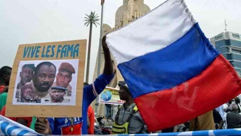 Mali'de Rus paralı askerlere destek gösterisi düzenlendi