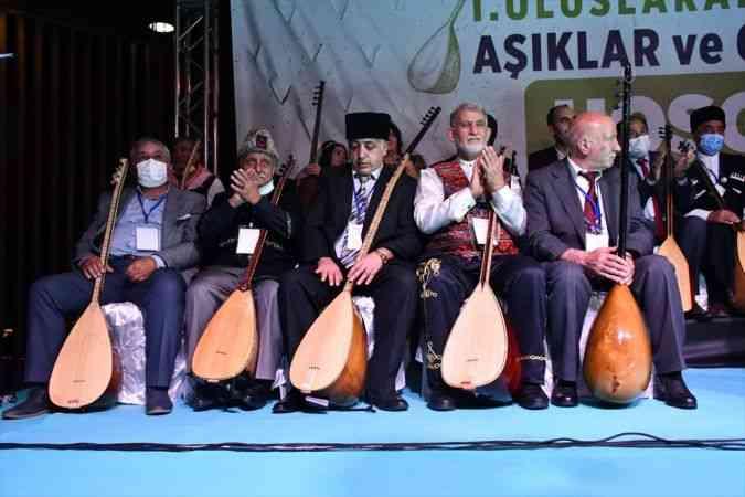 Yerli ve yabancı ozanlar, Kahramanmaraş'ta buluşarak hünerlerini sergiledi