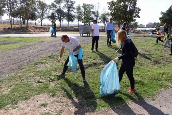 Tekirdağ'da Dünya Temizlik Günü kapsamında çevre temizliği yapıldı