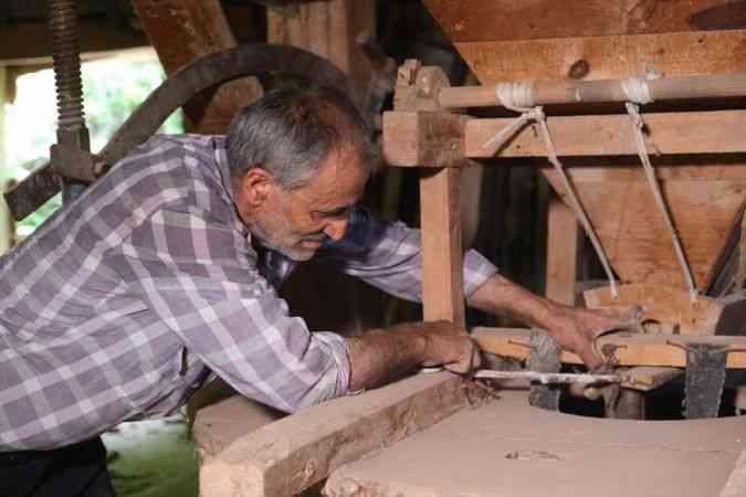 Sivas'ta 150 yıllık değirmende geleneksel üretim devam ediyor