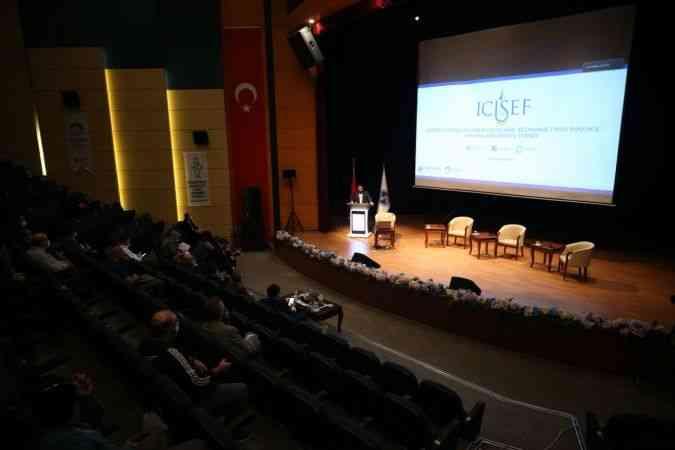 İslam ekonomisi ve finansı Sakarya'da düzenlenen kongrede ele alınıyor