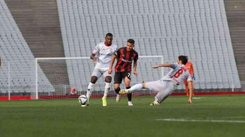 Fatih Karagümrük, Antalyaspor ile 0-0 berabere kaldı