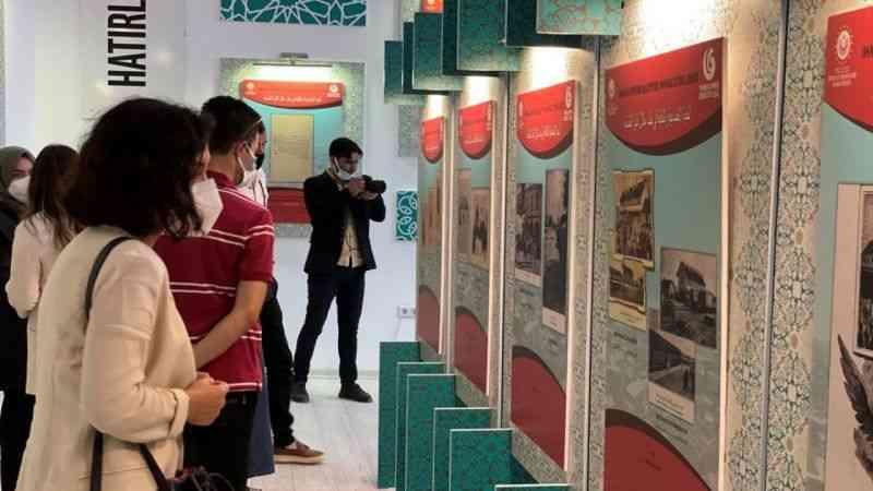 """Yunus Emre Enstitüsü Suriye Azez'de """"Hatırladıkça Biz Oluruz"""" sergisini açtı"""