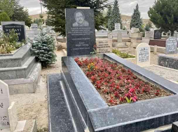 """""""Bozkırın tezenesi"""" Neşet Ertaş vefatının 9. yılında Kırşehir'de anılacak"""