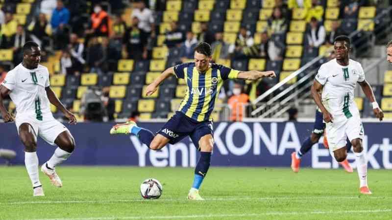 Fenerbahçe, sahasında GZT Giresunspor'u 2-1 yendi
