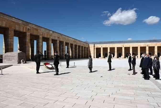 İkinci Cumhurbaşkanı İsmet İnönü mezarı başında anıldı
