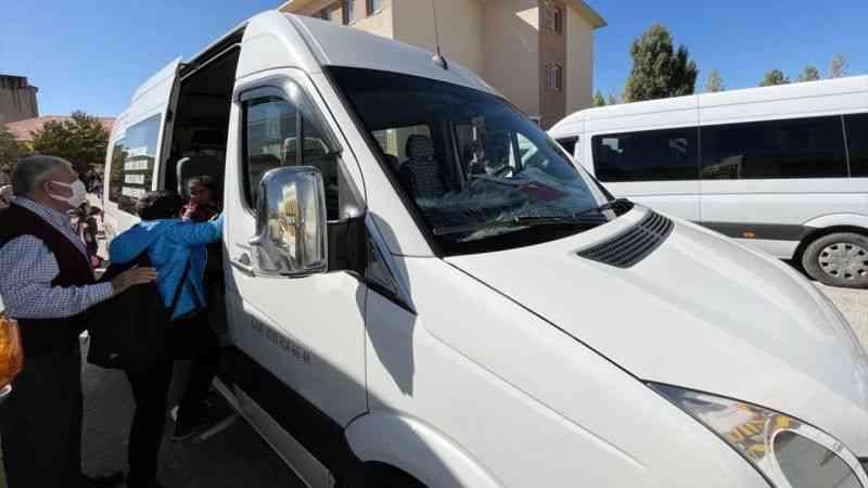 Erzurumlu servisçi şehit çocuklarını ücretsiz taşıyor