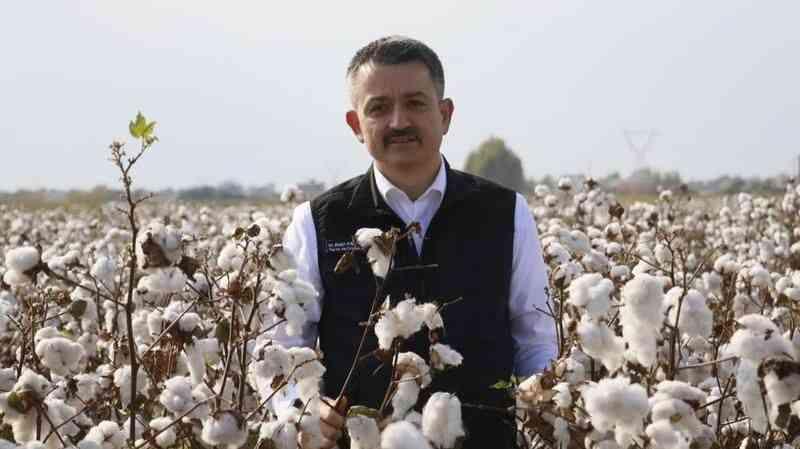 """Tarım ve Orman Bakanı Bekir Pakdemirli: """"Pamukta bu sene çiftçinin yüzü güldü"""""""