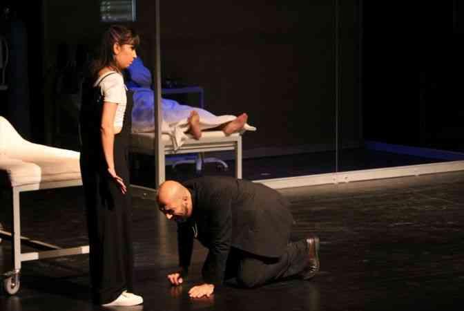 """Antalya Devlet Tiyatrosu """"Ziyaretçi"""" oyunuyla perde açtı"""