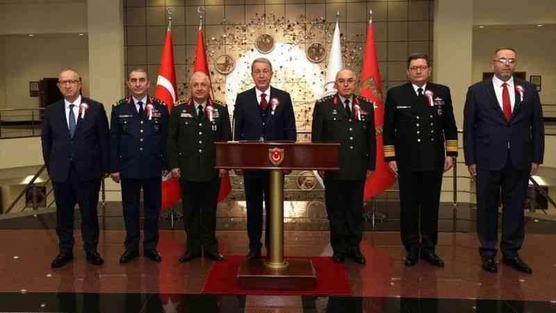 """Milli Savunma Bakanı Akar'dan """"Gereken ne varsa zamanı gelince yapılacak"""" mesajı"""