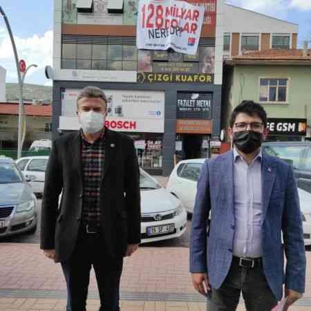"""Burdur'da """"128 milyar dolar nerede"""" afişi nedeniyle kesilen rekor ceza iptal edildi"""