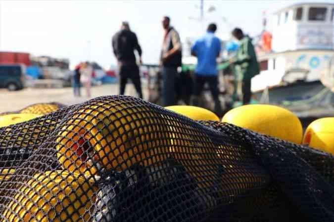 """Karadenizli balıkçılar Marmara'da """"lüfer"""" peşinde"""