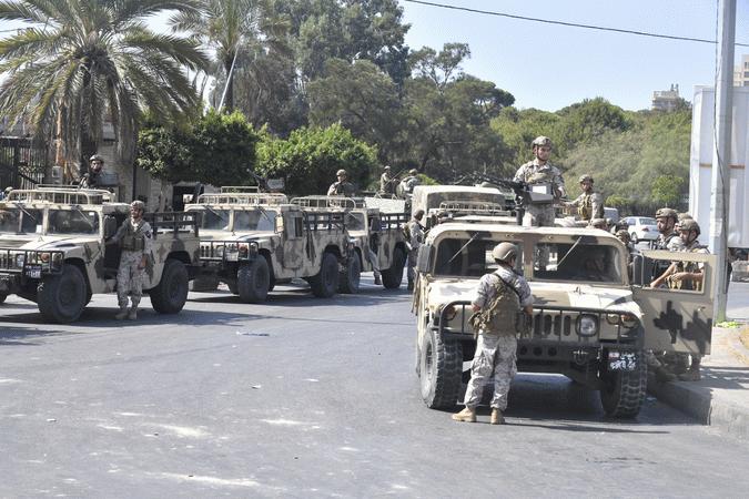 """Lübnan ordusundan halka """"Beyrut'taki çatışma bölgelerinde bulunan sokakları boşaltmaları"""" çağrısı"""