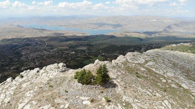 Ankuzu Baba Dağı, muhteşem manzarası ile dikkat çekiyor