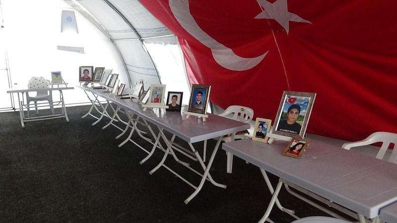 HDP önündeki aileler, YKS kısıtlaması nedeni ile eylemlerine 2 gün ara verdi