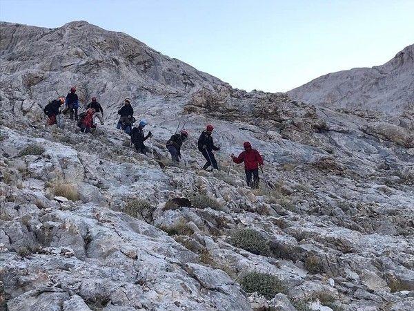 Rotasını kaybeden 8 dağcının imdadına AFAD yetişti