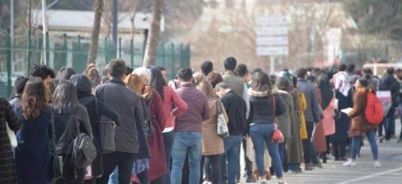 Türkiye'de 541 bin genç bir yıldan fazla süredir iş arıyor