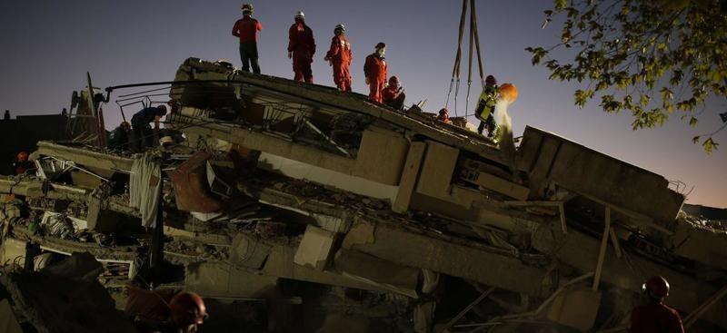 Adım adım yaklaşan 'büyük deprem'de Prof Naci Görür'den uyarı