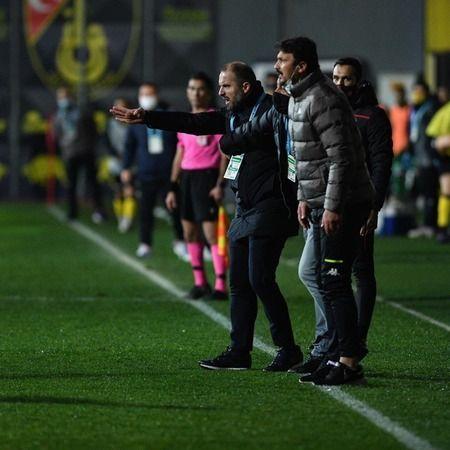 Bursaspor Teknik Direktörü Mustafa Er, kariyerinden bir ilki yaşadı