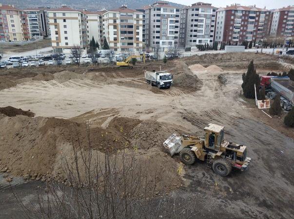 Sağlık Bakanlığı'nın Bozüyük'teki 2'inci büyük sağlık yatırımı inşaatının hafriyat çalışmalarına başlandı