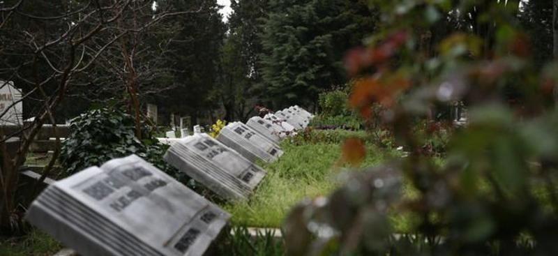 İstanbul'da mezar da karaborsaya düştü