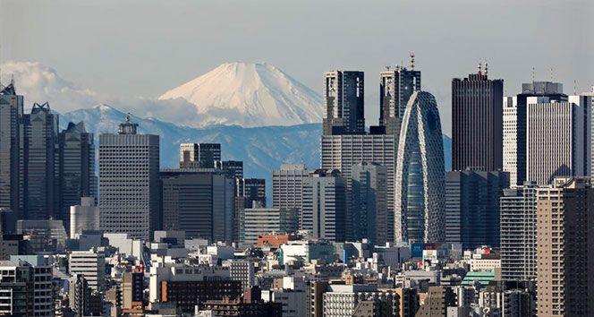 Japonya'da şiddetli kar alarmı! Uçuşlar iptal edildi...