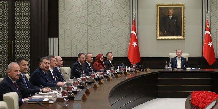 Erdoğan, beş bakanı değiştiriyor! Canlı yayında seçim için tarih verdi