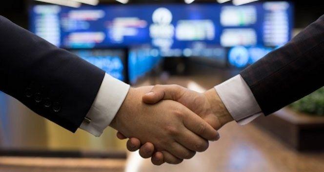 İran ve Çin 25 yıllık iş birliği anlaşması imzaladı