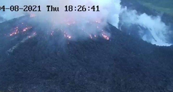 Karayipler'de La Soufriere Yanardağı 3'üncü kez patladı