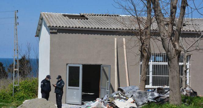 Tamir için çıktığı metrelerce yüksekteki çatıdan düşen işçi ağır yaralandı