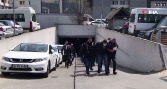 Sedat Peker operasyonunda gözaltına alınan 49 kişi adliyeye sevk edildi