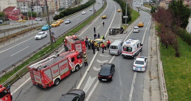 Ataşehir'de taksilerin karıştığı zincirleme kaza: 3 yaralı