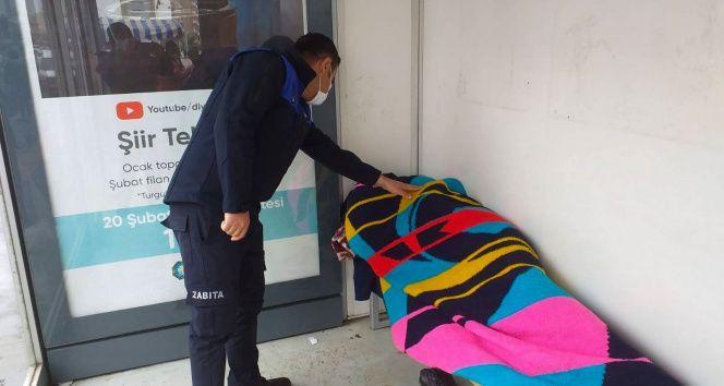 Diyarbakır'da sokaklarda kalan 144 kişi otellere yerleştirildi