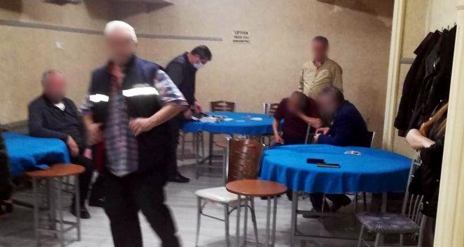 Yardımlaşma derneğinde kumar oynayan 5 kişiye 6 bin 680 lira ceza