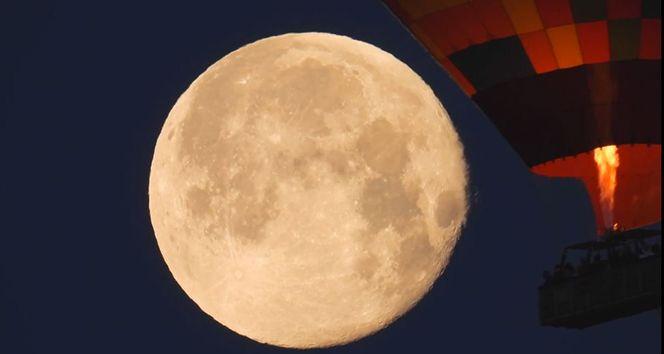Kapadokya'da muhteşem 'Süper Ay' görüntüsü