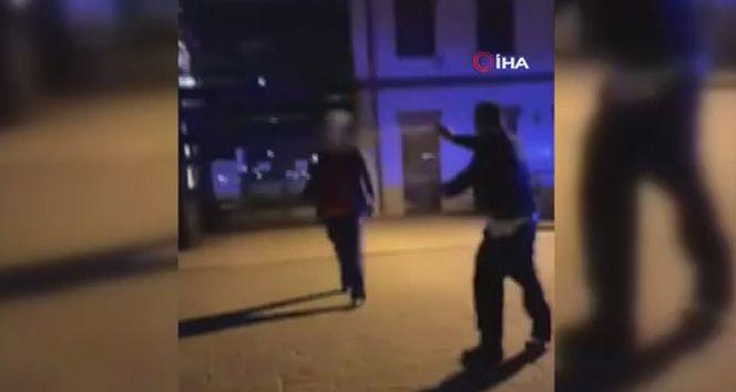 Polonya'da polis üzerine kırık cam şişeyle yürüyen saldırgana ateş etti