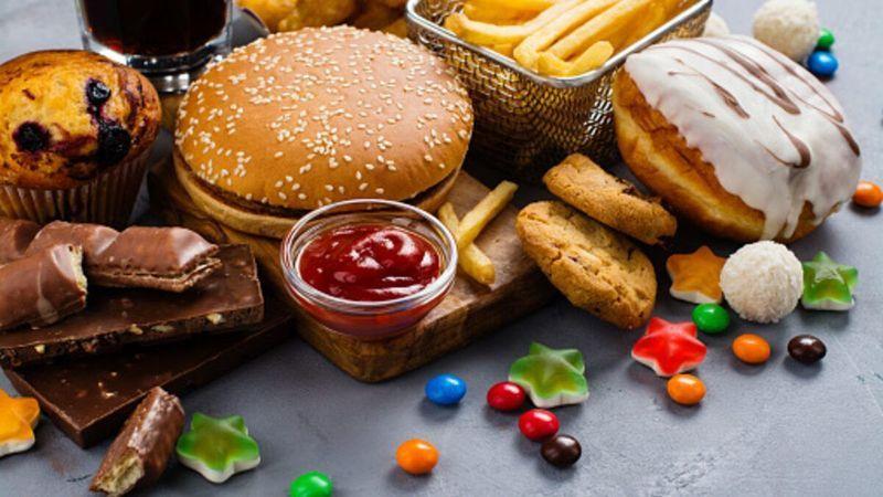Kalp krizine neden olan besinler! Bu besinleri sofranızdan uzak tutun