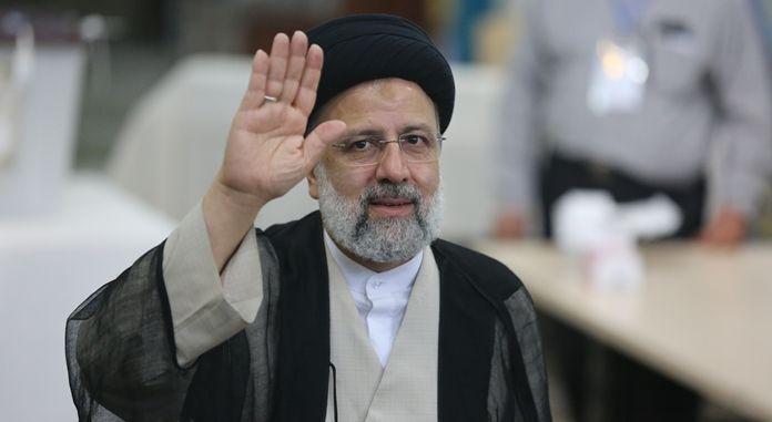 İran'ın 8. Cumhurbaşkanı belli oldu