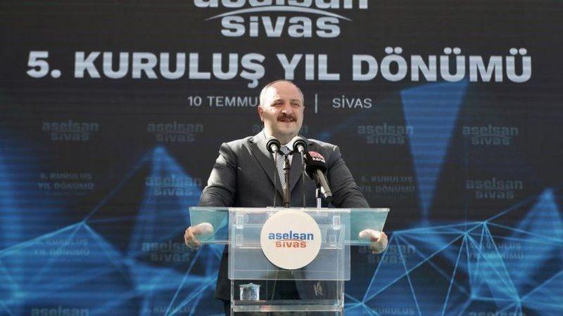 Bakan Varank'tan 'Uçan araba' sözlerini eleştiren Görür'e tepki!