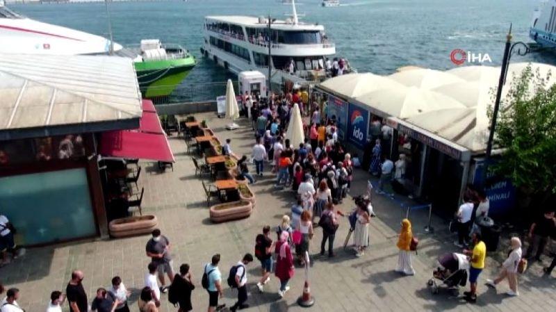 Eminönü'nde Adalar seferlerinde yoğunluk
