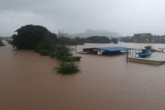 Hindistan'ı sel ve heyelan vurdu: 51 ölü