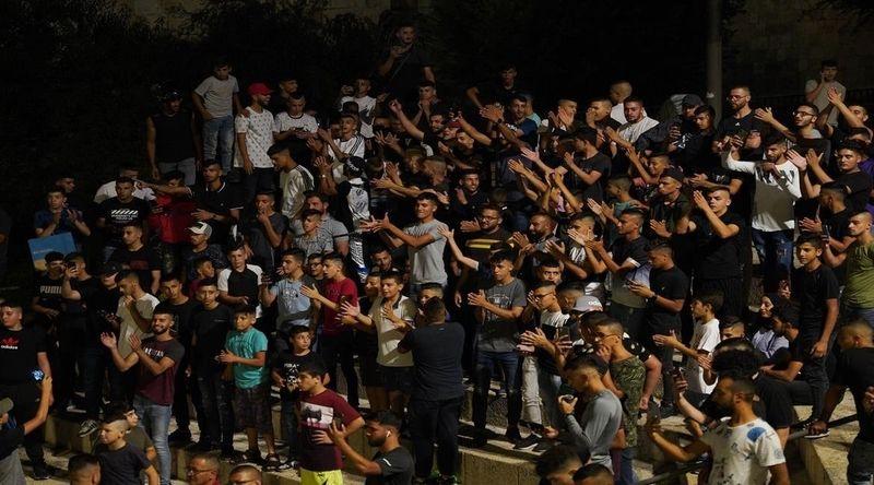 İsrail güçleri, bayramı kutlayan Filistinliler'e saldırdı