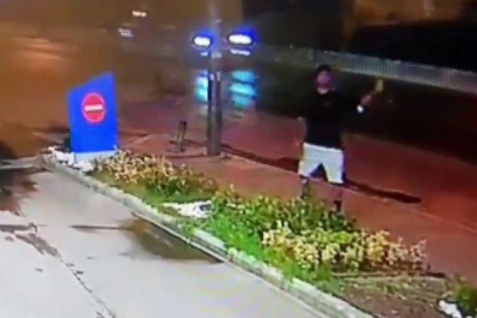 İzmir'de büyük panik: Oyuncak el bombasını akaryakıt istasyonuna fırlattı