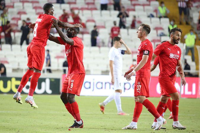 Sivasspor UEFA Avrupa Konferans Ligi'nde bir üst tura yükseldi
