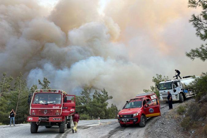 Ören'i aşan alevler Yeniköy Termik Santrali'ne doğru ilerliyor