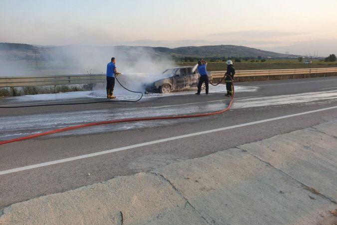 Tamirden çıkan otomobil alev alev yandı